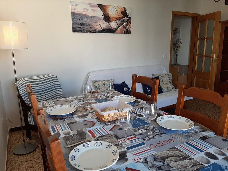 Amplio y céntrico apartamento, vakantiewoning in L'Hospitalet de l'Infant