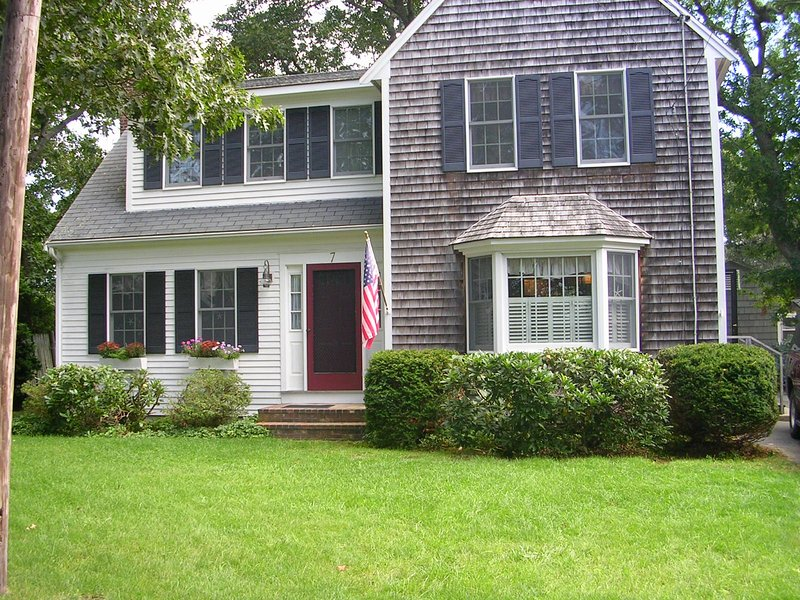 Harwichport 5 Star Beach House, Walk to Beach & Town, Immaculate, vacation rental in Harwich Port