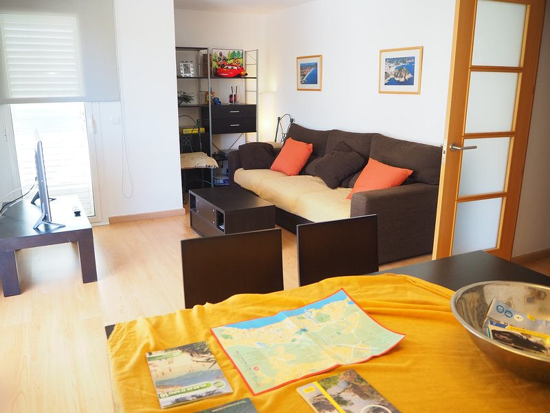 Apartamento equipado Platja d'Aro zona tranquila, holiday rental in Platja d'Aro
