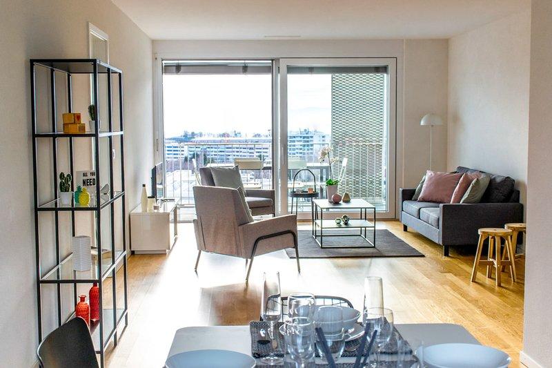 Spacious and modern 3.5 rooms in Lausanne, aluguéis de temporada em Rue