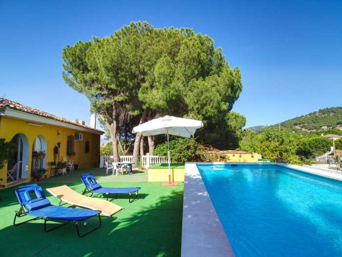 Country house with private pool and wifi in Alhaurín de la Torre (Málaga), holiday rental in Pinos de Alhaurin