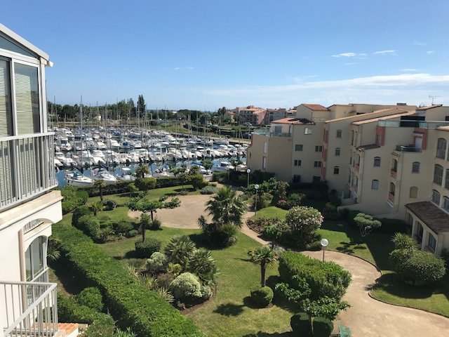 COQUET T2 - TERRASSE ET PARKING PRIVE, location de vacances à Cap d'Agde
