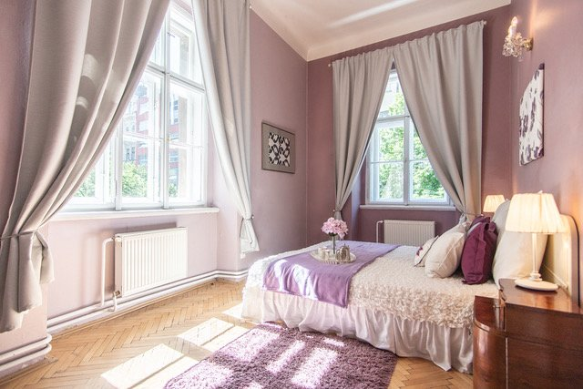 Elegance, Space, La Dolce Vita living in Upmarket Vinohrady Wenceslas 100 meters, vacation rental in Prague