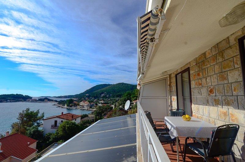 """Seaview apartment """"Lemon"""", Ferienwohnung in Prizba"""