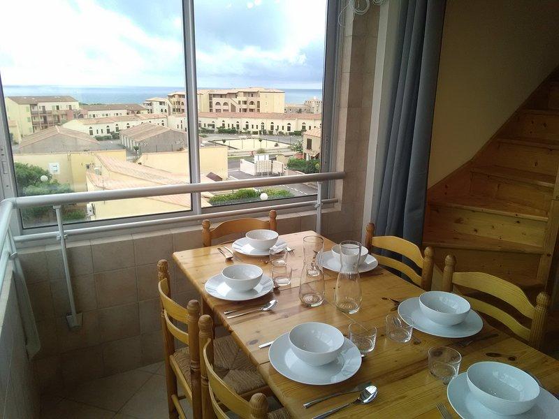 Saint-Pierre-la-mer : Duplex avec piscine-Vue Panoramique Clape et mer, alquiler vacacional en Saint-Pierre-la-Mer