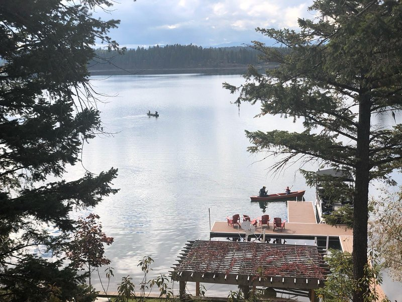 Bigfork - Echo Lake Hideaway, aluguéis de temporada em Creston
