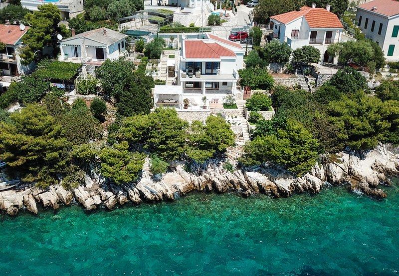 Villa Stina, aluguéis de temporada em Okrug Donji