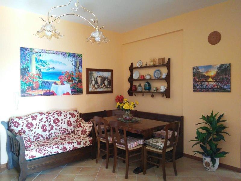 Grazioso appartamento in residence con piscina in ottima posizione, buon prezzo, casa vacanza a Villaggio Mosè