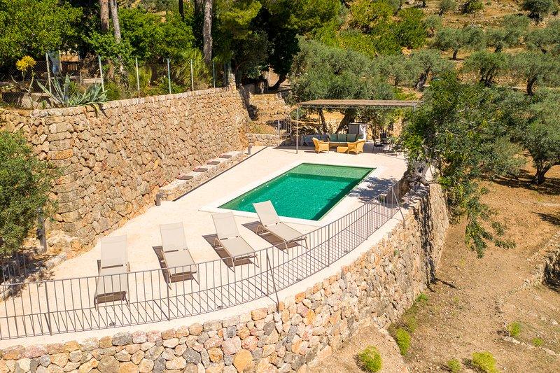 Bi-level Exclusive Villa Overlooking Soller Valley, holiday rental in Soller
