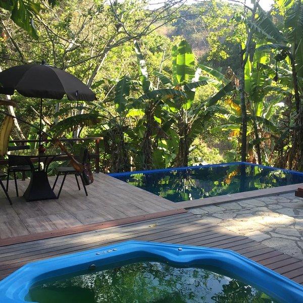 Deck hidromassagem e piscina