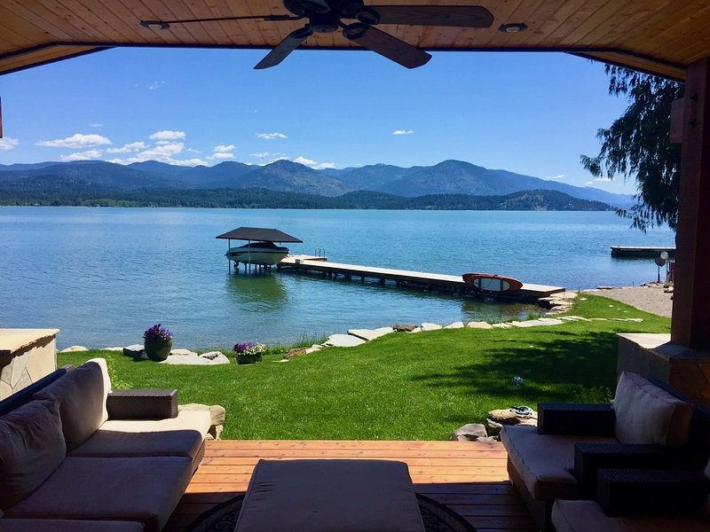 NEW! FABULOUS Luxury Waterfront.  Flat!, vacation rental in Kootenai