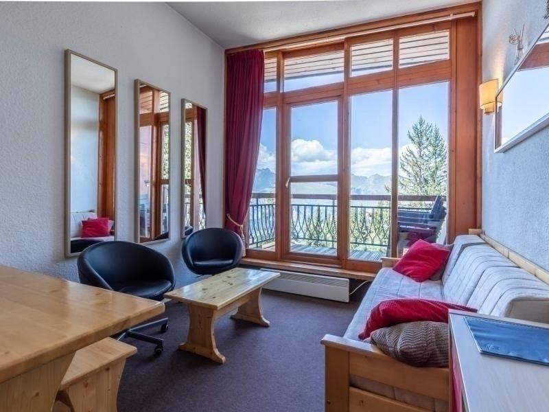 Joli 3 pièces en duplex pour 6 personnes, avec une vue plongeante sur la, holiday rental in Peisey-Vallandry