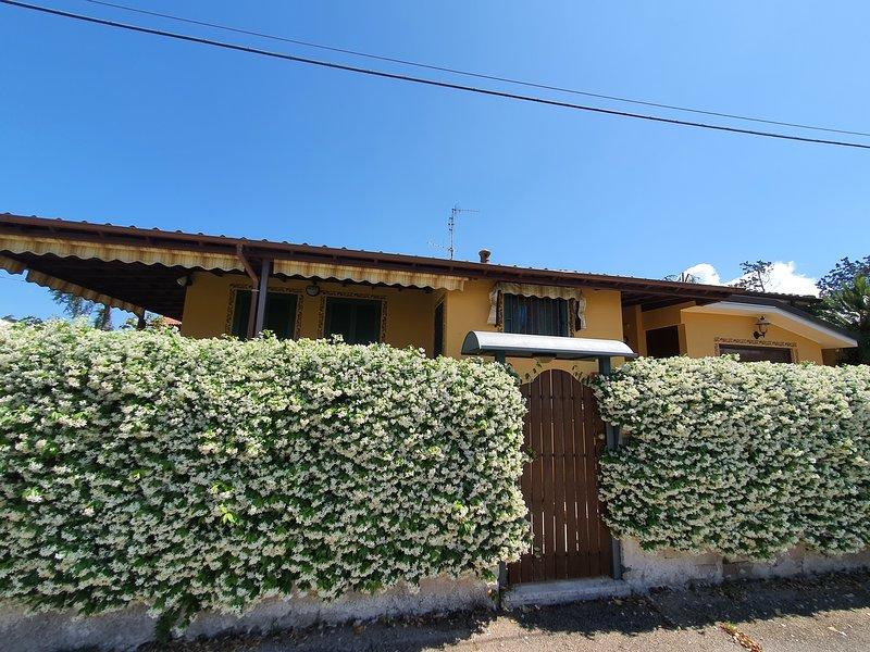 Bellissima Villa al Mare, vacation rental in Sperlonga
