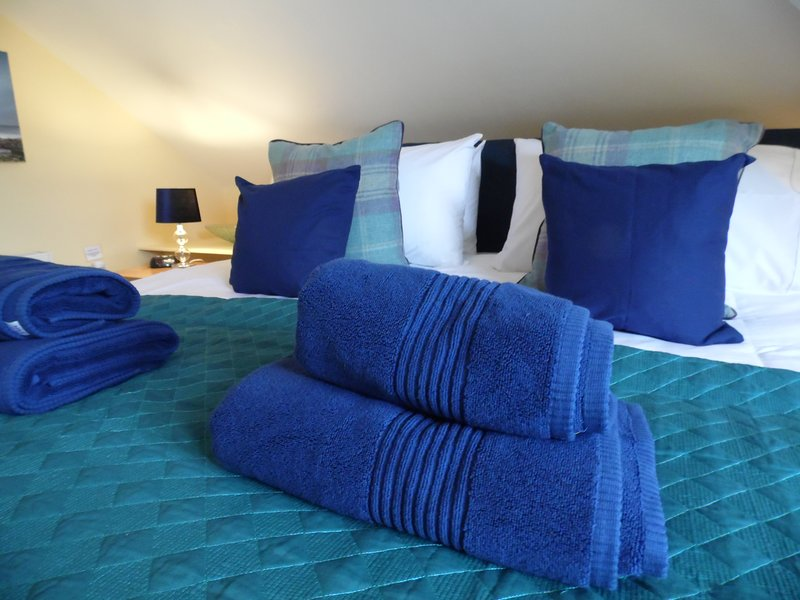Soft Rock Apartment at Prestigious Compass Point, vacation rental in Carbis Bay