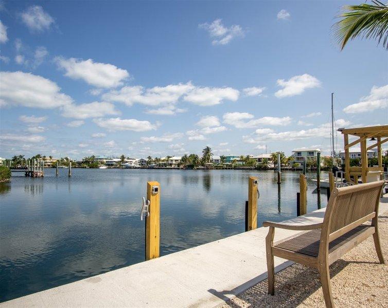 Reel Paradise II 2bed/2bath half duplex with dockage, holiday rental in Grassy Key