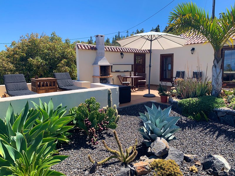 Casa Demetria, rust, comfort en een spectaculair uitzicht., alquiler de vacaciones en La Palma