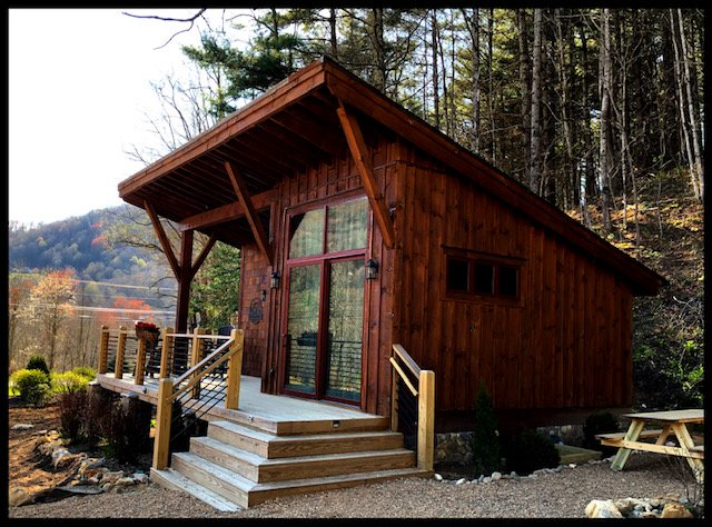 Red Wolf Chalet in Fish Camp at Eagles Nest