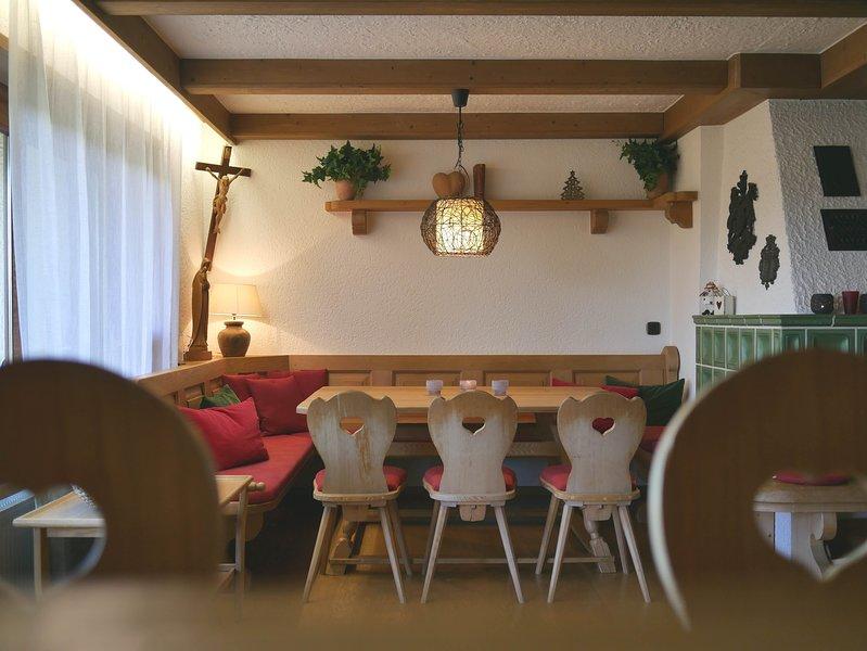 Großes und gepflegtes Ferienhaus am Niedersonthofener See mit Sauna und Terrasse, vacation rental in Missen-Wilhams