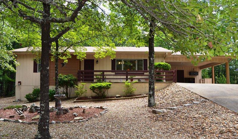 7SanCCr   West Gate Area   Home   Sleeps 6, holiday rental in Hot Springs Village