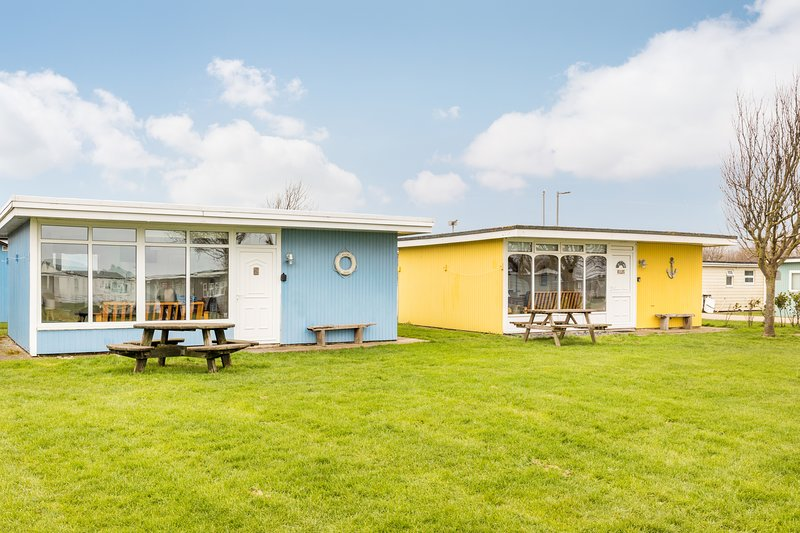 The Beach Huts - Blue Seaside Chalet, Camber Sands, holiday rental in Camber