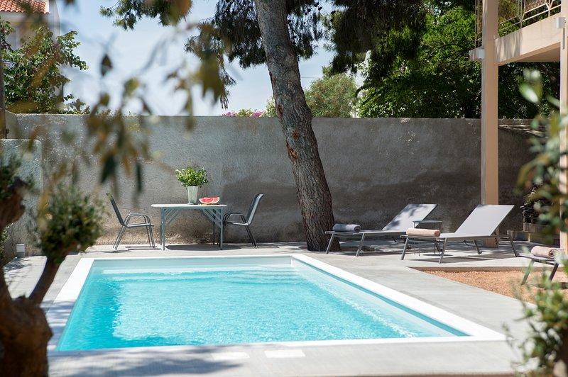 Lagonisi Ruby's pool villa, location de vacances à Lagonisi
