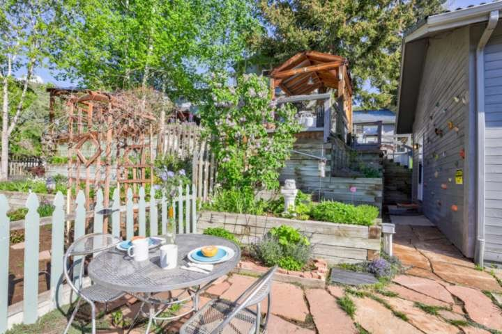 RED ROCKS retreat | idyllic CO mountains | Professionally cleaned per CDC guidel, location de vacances à Kittredge