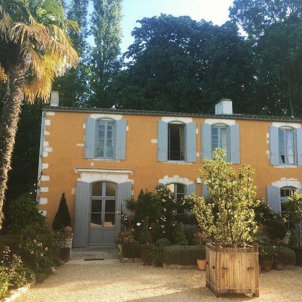Chambres La Rochelle-Nieul La Borderie du Go, holiday rental in l'Houmeau