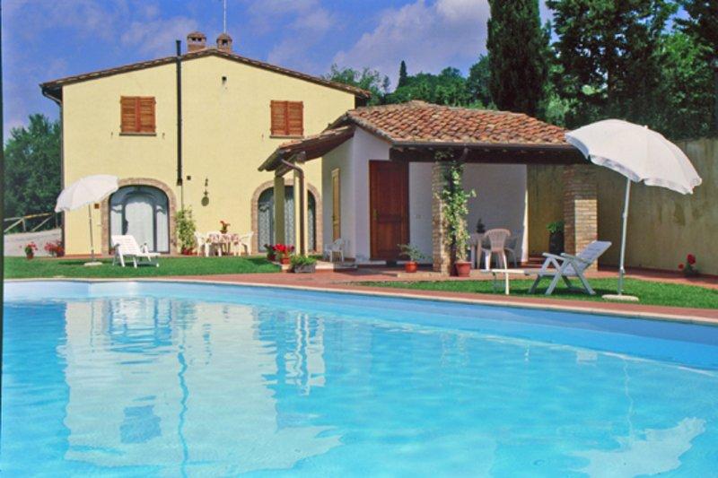 Agriturismo Il Pino - Toscana Italia - Appartamento Ginepro, alquiler vacacional en Varna