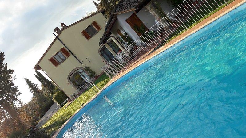 Agriturismo Il Pino - Toscana Italia - Appartamento Cipresso, alquiler vacacional en Varna