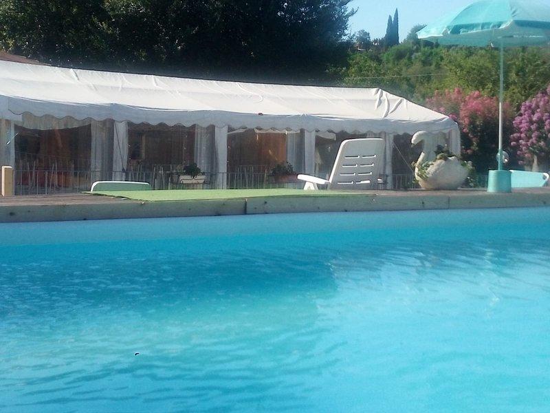 Villa Paradise Affitta camere in contesto villa indipendente immersa nel verde, holiday rental in Palestrina