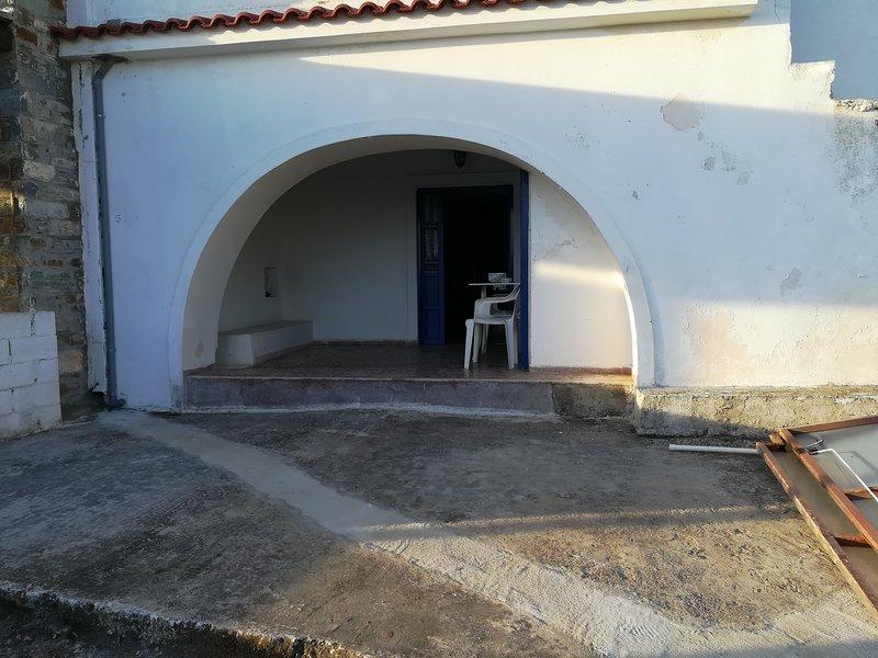 Κυκλαδίτικη αρχοντιά.., holiday rental in Loutra
