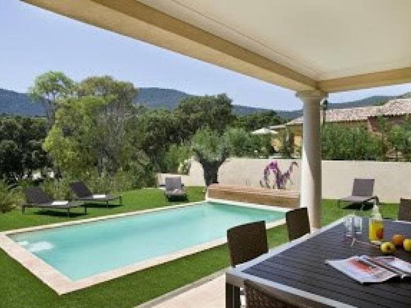 MAISON 4 PIECES 6 COUCHAGES A CAVALAIRE SUR MER, holiday rental in Cavalaire-Sur-Mer