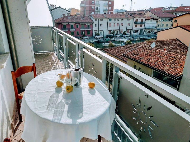 Mandracchio Central Apartment, holiday rental in Grado
