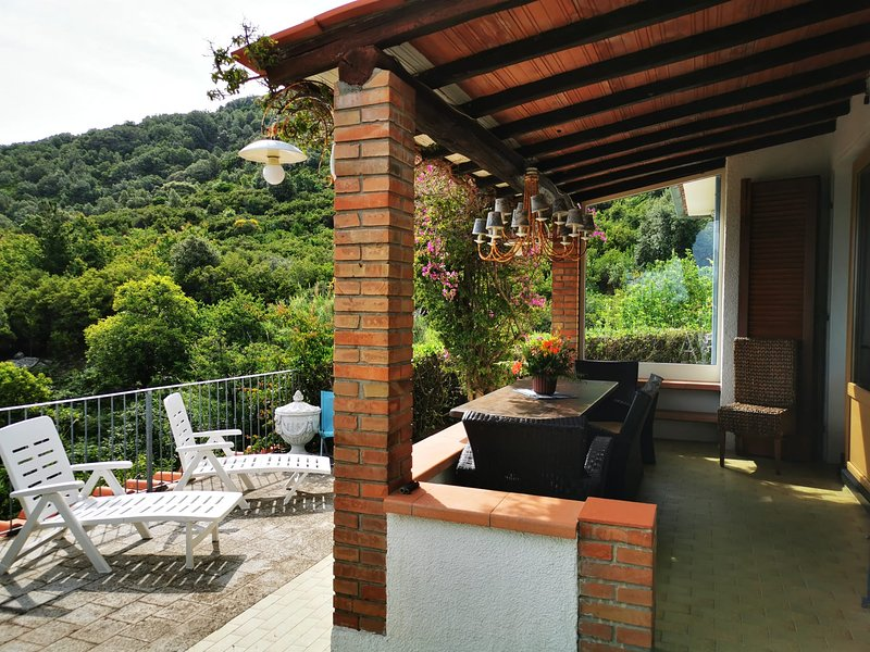 casa panoramica bouganville, vacation rental in Pomonte