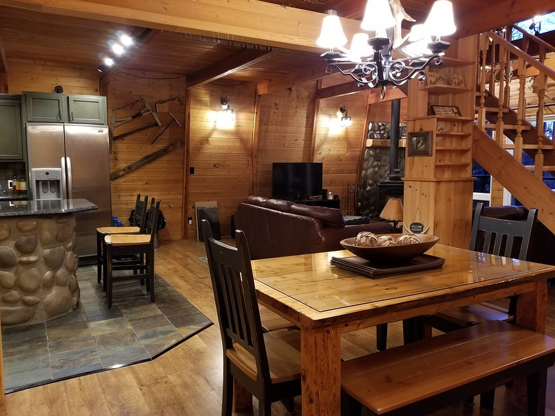 Open concept to enjoy each others company with the rustic atmosphere,