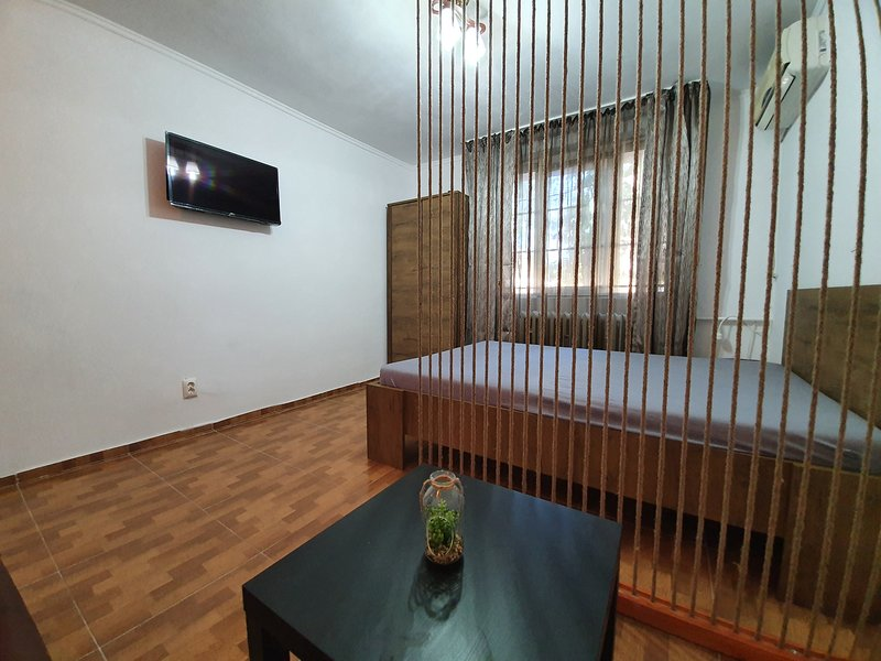 Albera Studio Apartment, holiday rental in Eforie Nord