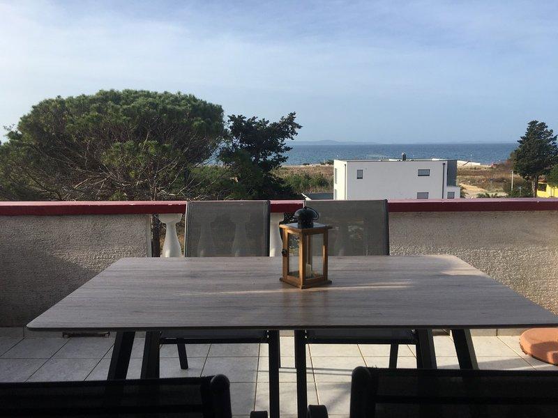 Beautiful apartment Aria , 100m from the beach, Privlaka, location de vacances à Privlaka