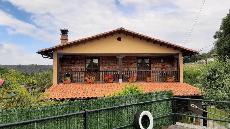 APARTAMENTOS EN LA FRANCA, vacation rental in Buelna