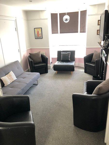 Double aspect Lounge with oblique sea views