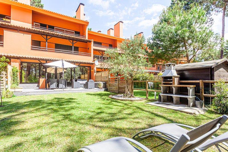 Apartment Garden V, aluguéis de temporada em Charneca da Caparica