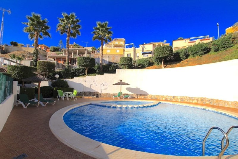 Lovely two bedroomed apartment near Marquesa Golf, holiday rental in Daya Vieja
