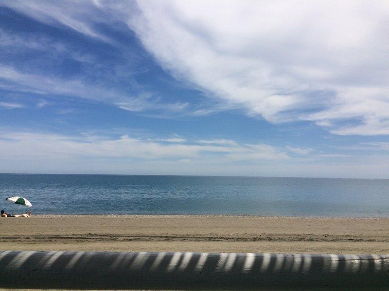 A pie de playa BANDERA AZUL 2019, piscina, EL MEJOR CLIMA DURANTE TODO EL AÑO, vacation rental in Algarrobo