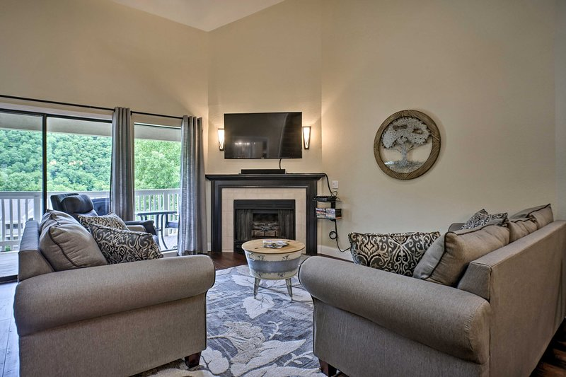 NEW! High-End Condo w/Pool Access, Walk to Fishing, vacation rental in Point Lookout