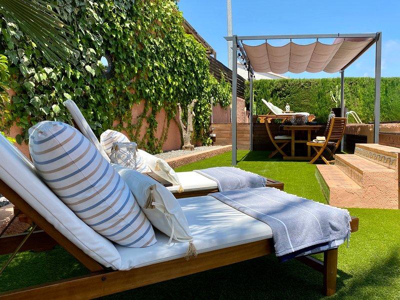 Villa familiar Ca La Fustera a pocos metros de la playa de arena Cala La Fustera, vacation rental in Benissa