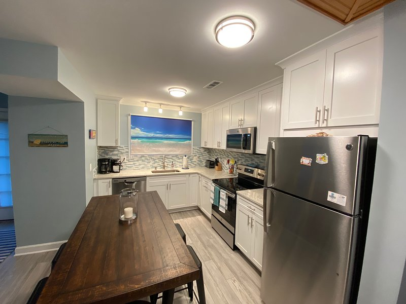 Remodeled townhome, walk to town and beach while enjoying the comforts of home, location de vacances à Rehoboth Beach