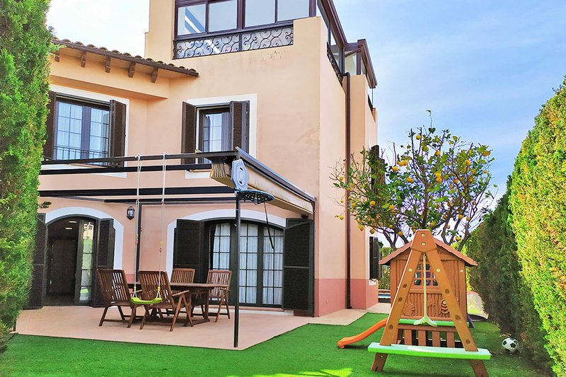 Villa El Recreo, a perfect place for family vacations in Mallorca, holiday rental in Puig de Ros