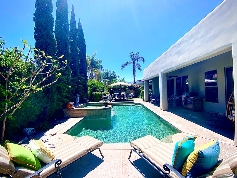 Executive 5 Star Gated Pool/Spa home + Netflix!!, holiday rental in La Quinta