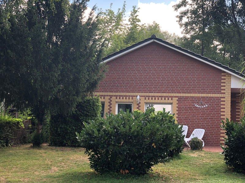 Haus Froschkönig - Ferienhaus direkt am Wasser, location de vacances à Havelsee