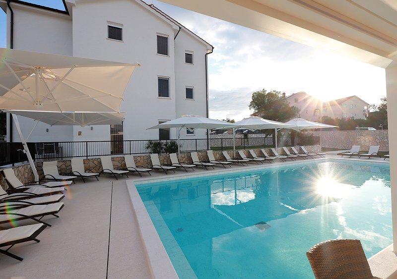 Cool Silo Appartement Resort*****, aluguéis de temporada em Klimno