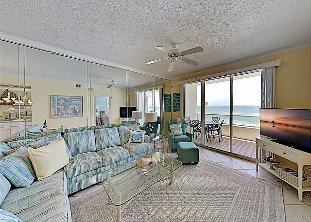 Enclave Unit 403: Gulf-Front Suite Retreat w/ Balcony & Pool, Steps to Sand, alquiler de vacaciones en Orange Beach